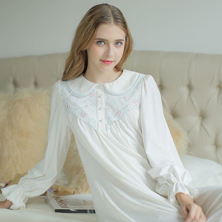 17 meilleures id es propos de chemise de nuit longue sur pinterest chemise de nuit homme. Black Bedroom Furniture Sets. Home Design Ideas