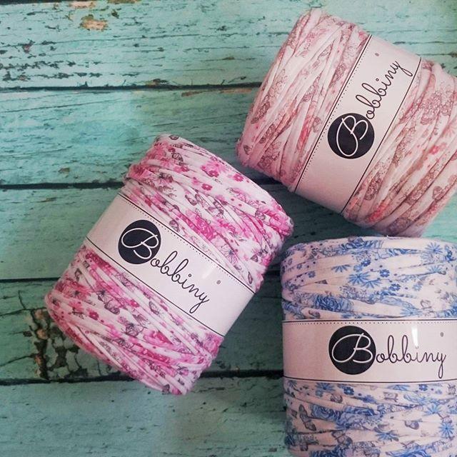 Wild roses #bobbiny #floral #tshirtyarn #jerseyyarn #yarn #crochet #knit #macrame #handmade #craft #rekodzielo #szydelko #sznurek #trapillo #ganchillo #rose #flowers #recycling #madewithlove #madetocreate