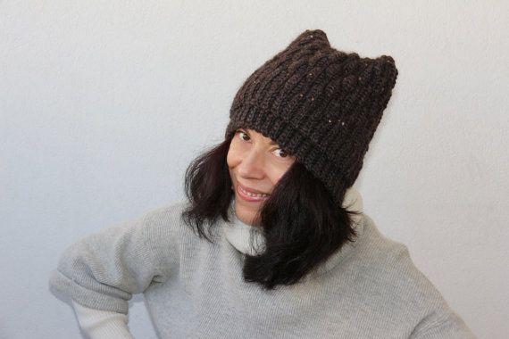 cappellino cappello lana uncinetto fatto a mano di PaolaCollection