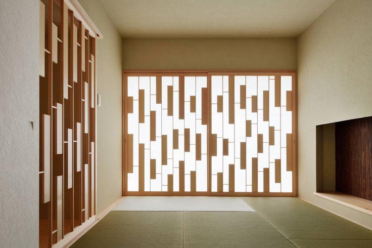 Form / Koichi Kimura Architects の モダンな 壁&床 House of Representation