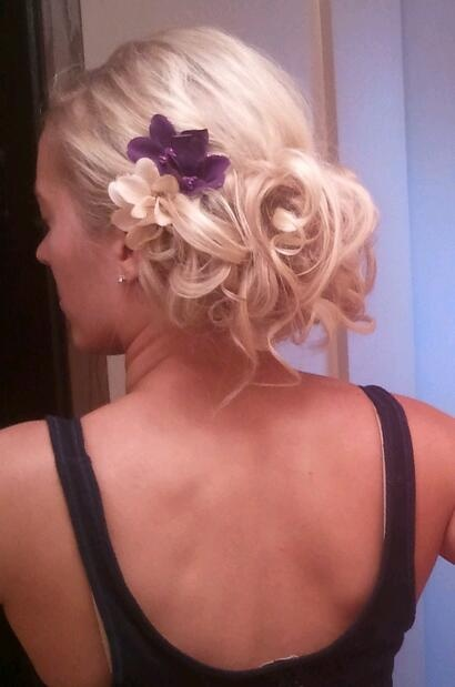 Bridesmaid Updo:)Hair Ideas, Hair Mak, Hair Hair, Flower Accent, Beautiful Updo, Dresses Flowergirl Boys, Bridesmaid Up Do, Bridesmaid Updo, Brides Updo