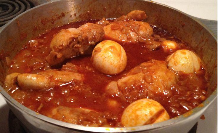 Aujourd'hui nous voyons une recette du nord de l'Éthiopie, celle du Doro Wat, littéralement «poulet en sauce», tel qu'on le prépare dans la région du Tigré.