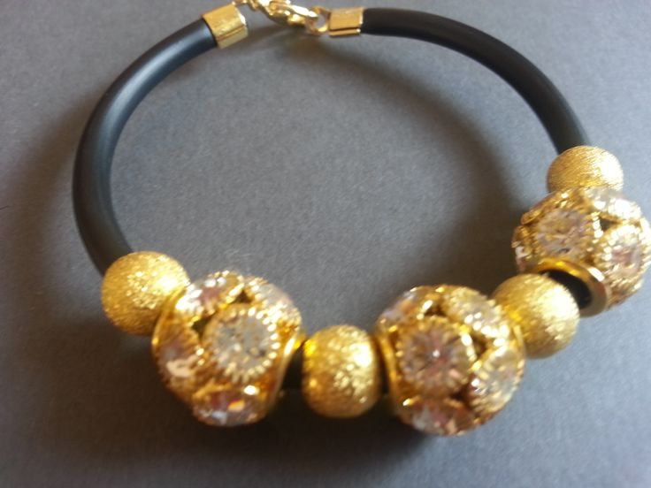 https://www.facebook.com/pages/Mabelbijoux/499654870141533