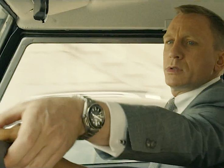 Skyfall OMEGA PLANET OCEAN 600 M CO-AXIAL 42MM #DanielCraig #JamesBond #Watch #ProductPlacement