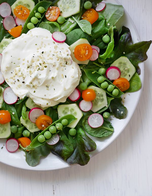 Summer salad with feta mousse