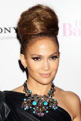 Big Bun - Jennifer Lopez  Hairstyles : Different Types Of Buns #hair, #hairstyles, #fashion, #hairtrends, #glamour, #glamor, #buns, #hairbuns, #longhair, #shorthair, #blond, #brunette #Jenniferlopez