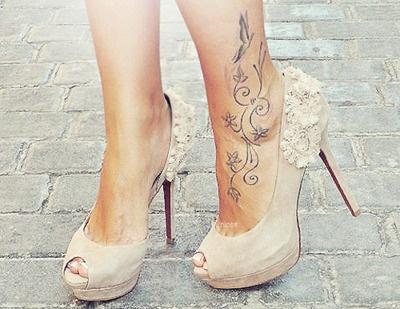 Beautiful feminine heels for the holidays
