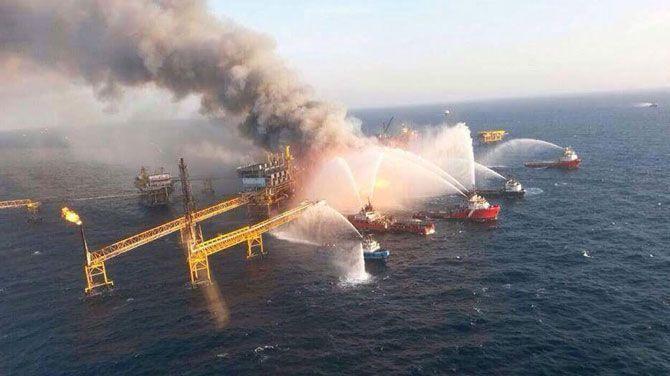 Titel: 4 doden bij brand op olieplatform / Plaats: Golf van Mexico / Datum: 1 april 2015 / Bron: www.deredactie.be