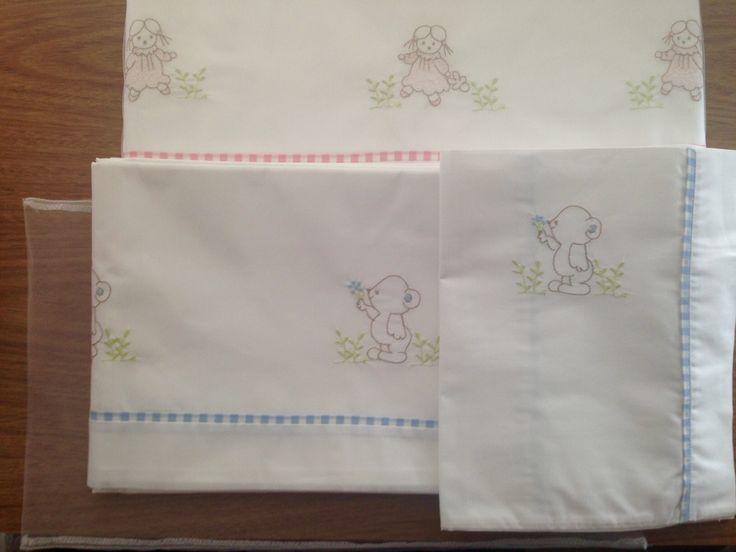 Variedad de bordados ... Sábanas para cuna de 1.40 cm x 70 cm. 100% algodón de 200 hilos