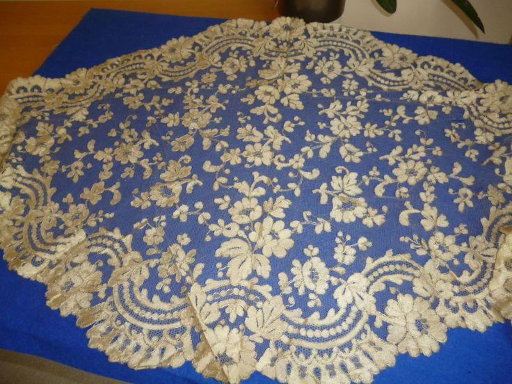 My choice for best lace from the 10/5/2014 Ebay Alerts. Blonde mantilla.