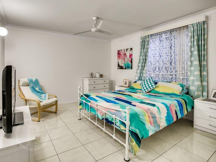 27 Cramond Street, Wilston // Mario Sultana #bedroom #homeinspiration #neutral #bed #bedroominspiration #home #homedecor #brisbane #queensland #realestate #inspiration #diningroom #openplan #homedecorate #realestate #realtor #brisbanerealestate #decorator #interiordesign #modern #crisp #light #open #space