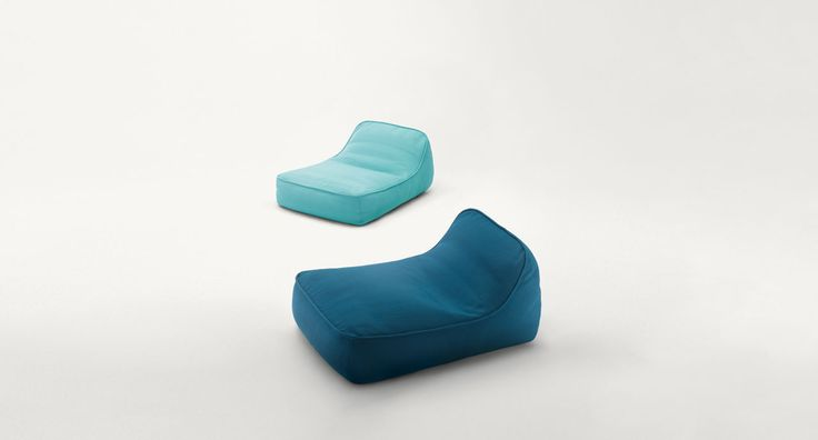 Float - Easy chair, sofa and chaise longue. The series Float also includes a platform and poufs in different dimensions.