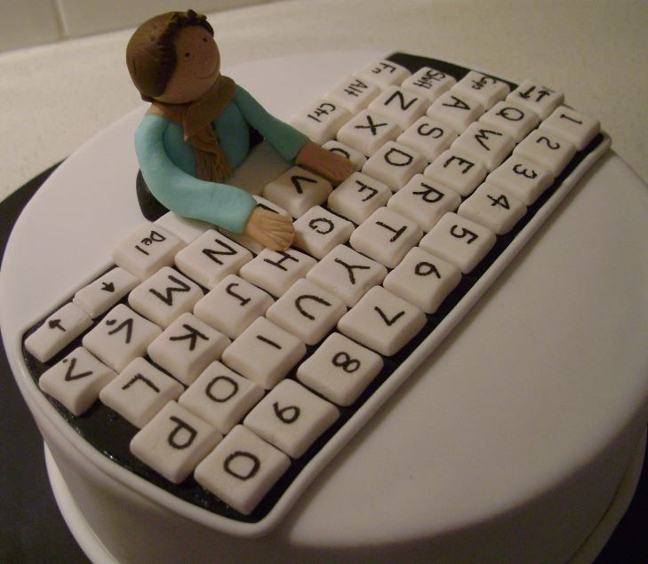 25+ best ideas about Computer cake on Pinterest Simple ...