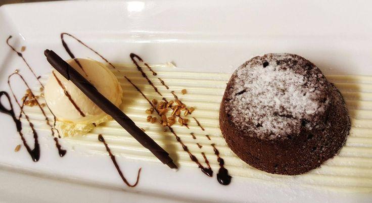 Tortino caldo al cioccolato con cuore morbido #dessert #cadelach #magnader