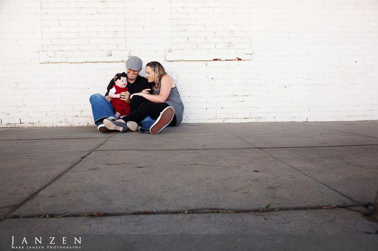 Urban family photographyUrban Family Photography, Wedding Photography, Urban Families Portraits, Families Poses, Portraits Photography, Urban Families Photography, Families Photos, Families Urban Photography, Photography Inspiration