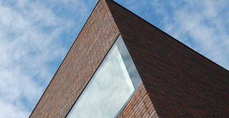 Villa BEUN; Side wall- Window