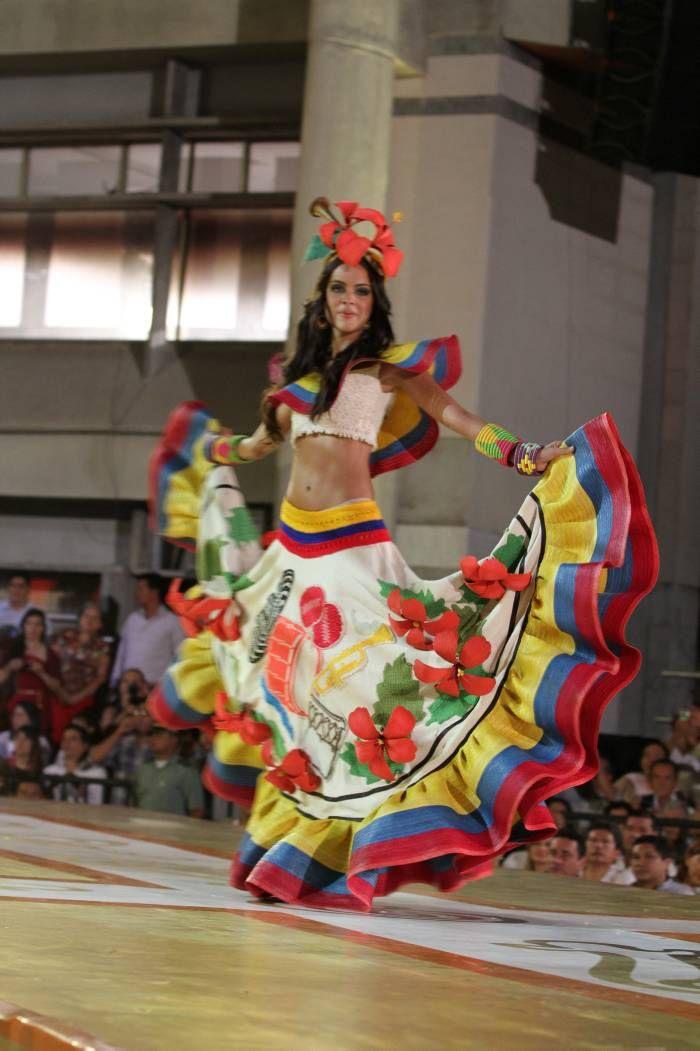 Traje Yo me llamo cumbia Neiva, primer destino de las candidatas | Concurso Nacional de Belleza | Reinas 2012 | El Universal - Cartagena