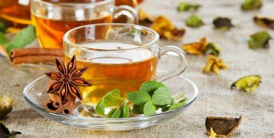 Anche se non sempre è possibile dedicarsi una rilassante pausa durante la quale sorseggiare una tazza fumante di tè, magari accompagnato da qualche leccornia, è sempre piacevole bere un caldo infuso, magari mentre si lavora o a casa, tra un'incombenza e l'altra.  Un bollitore dal design attuale e
