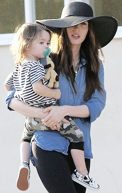 Megan Fox accompanied by his sons Noah and Bodhi and her husband Brian Austin Green in Los Angeles - Aug 19, 2014