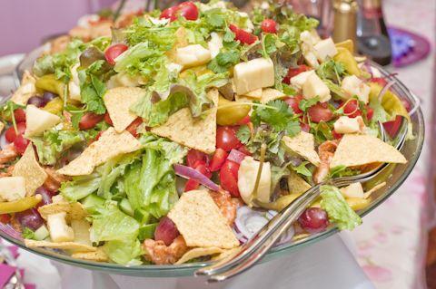 Meksikolaistyyppinen salaatti. Hellapoliisi - Vuodenvaihteen tarjoilut