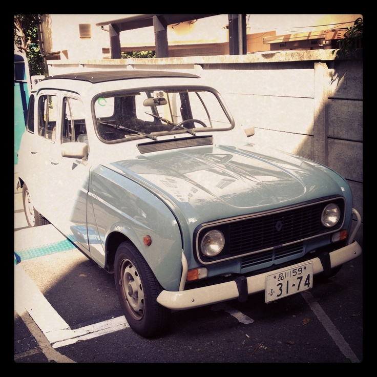 Vintage Renault 4L spotted in Aoyama fashion district today. Remind me the old days in france !