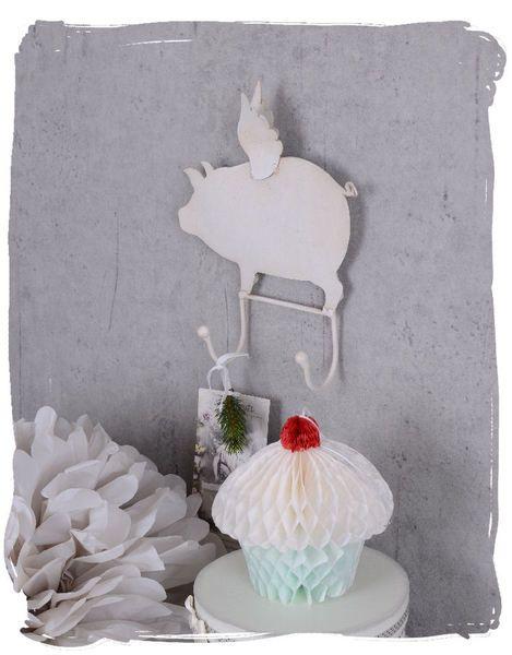 Hakenleiste Fliegendes Schwein im Shabby Chic Stil von palazzoint via dawanda.com