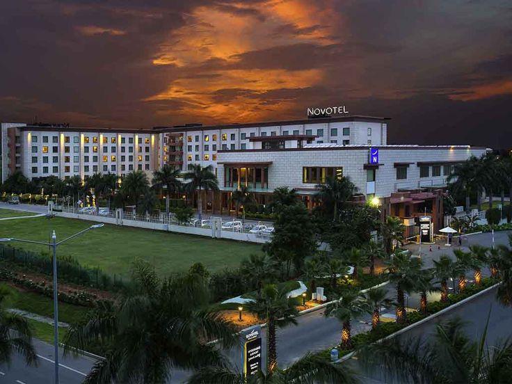 NOVOTEL HYDERABAD AIRPORT: Aux portes des Etats dynamiques de Telagana et d'Andhra Pradesh, près de l'aéroport d'Hyderabad, cet hôtel…