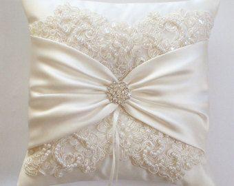 Bruiloft kussen bruiloft kussen Lace kussen Ivory door JLWeddings