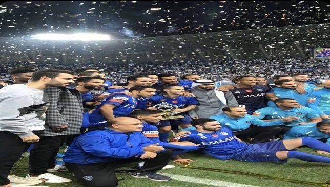 نادي الهلال ي زين قميصه بـ الثلاث نجوم في مونديال الأندية صورة Football Wallpaper Football Drawing Afc Champions League