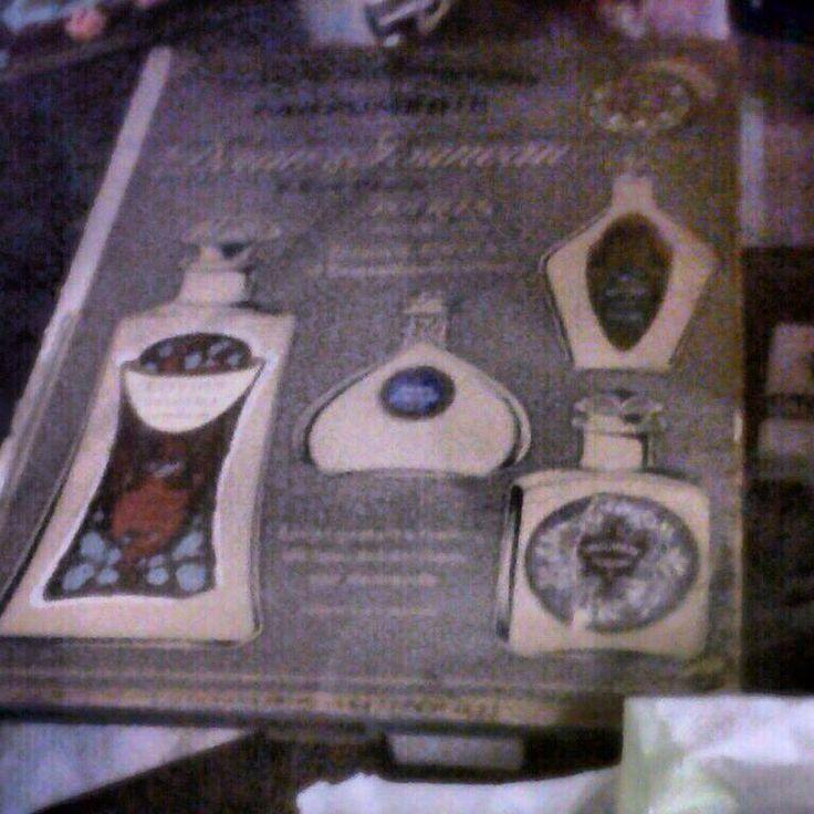 Catálogo de perfumes de los años 40