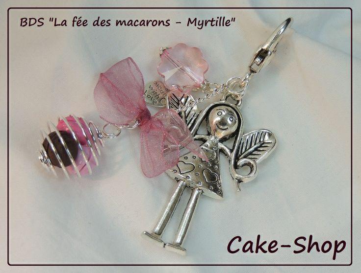 """Bijoux de sac   """"La Fée des Macarons Myrtille"""" de Cake shop - Bijoux gourmands sur DaWanda.com"""