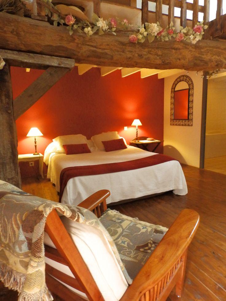 Passez un week-end en amoureux dans un gîte ou une chambre d'hôte en pays de Montfort en Brocéliande. Chambre d'hôte Le Val Ory à Iffendic http://www.paysdemontfort.com/accueil/ou_dormir/chambres_dhotes