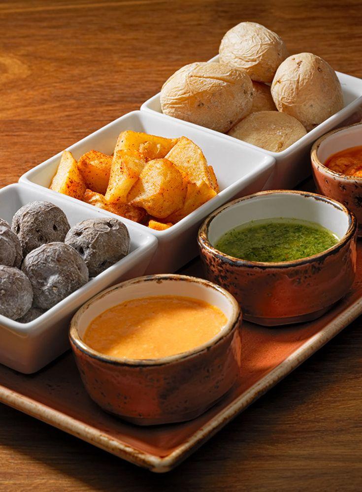 Hotel Seaside Palm Beach*****   Gourmet Tapas at the La Bodega Palm Beach Restaurant \ Selection of canarian potatoes with mojo sauce