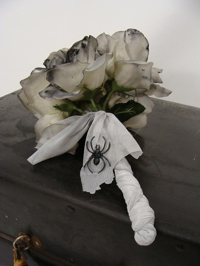 Zombie Corpse Bride Wedding Dead White Rose Flower Bouquet