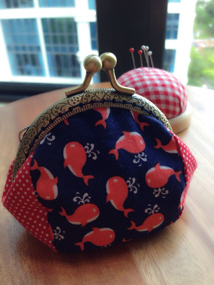 Another metal frame coin purse.