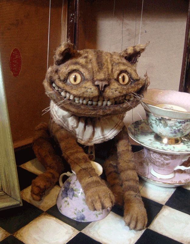 Okay, all the marionettes on this page are super creepy but I love The Cheshire Cat. Want!: