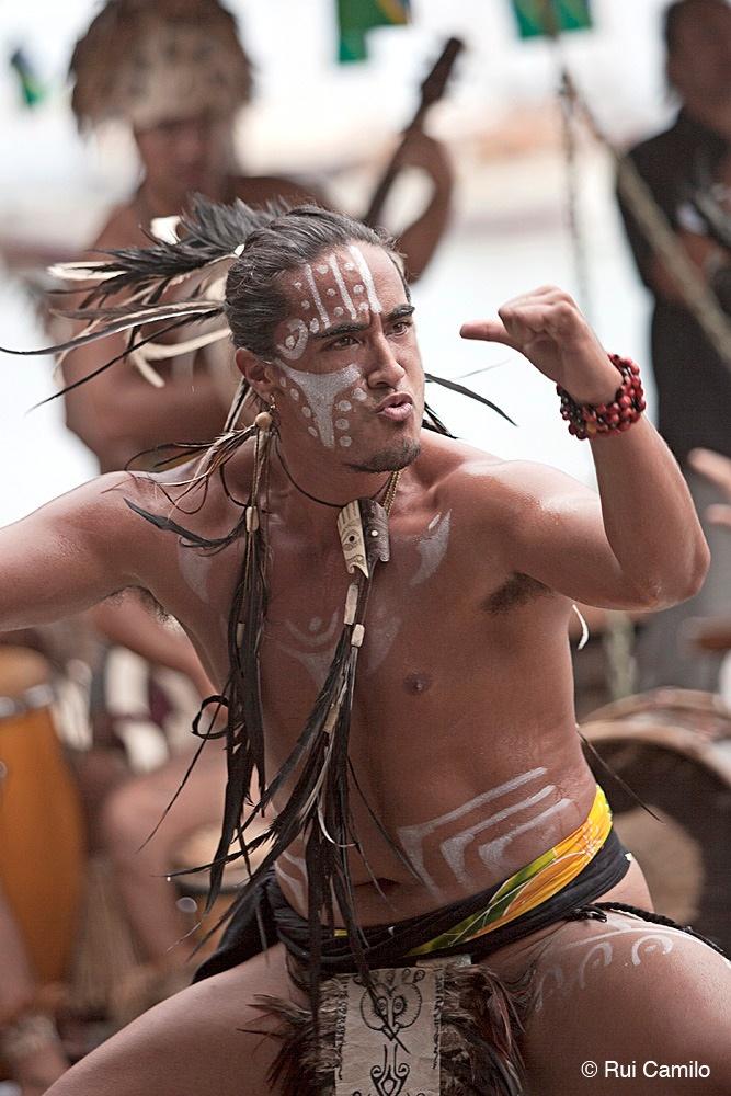 Performance taitiana, em Honiara, nas Ilhas Salomão.