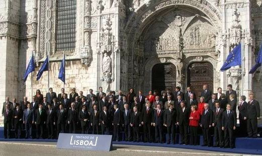 The plenipotentiaries standing outside the 15th-century Jerónimos Monastery, which was the venue, having signed the treaty