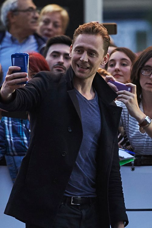Tom Hiddleston seen arriving at the Maria Cristina Hotel during the 63rd San Sebastian International Film Festival on September 21, 2015 in San Sebastian, Spain. Full size image: http://ww2.sinaimg.cn/large/6e14d388gw1ewau1c4cgzj21kw2dh7wh.jpg Source: Torrilla