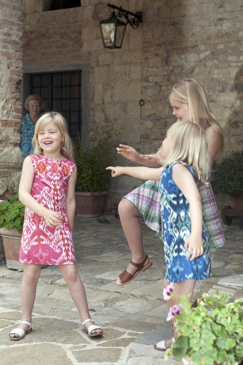 catharinamalia:  Princesses Alexia, Amalia, and Ariane with grandmother Queen Beatrix in the back, Tavernelle, Italy, July 2011.