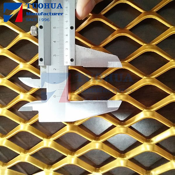 Aluminium Wall Decoration Mesh In 2020 Expanded Metal Mesh Aluminum Wall Metal Decor