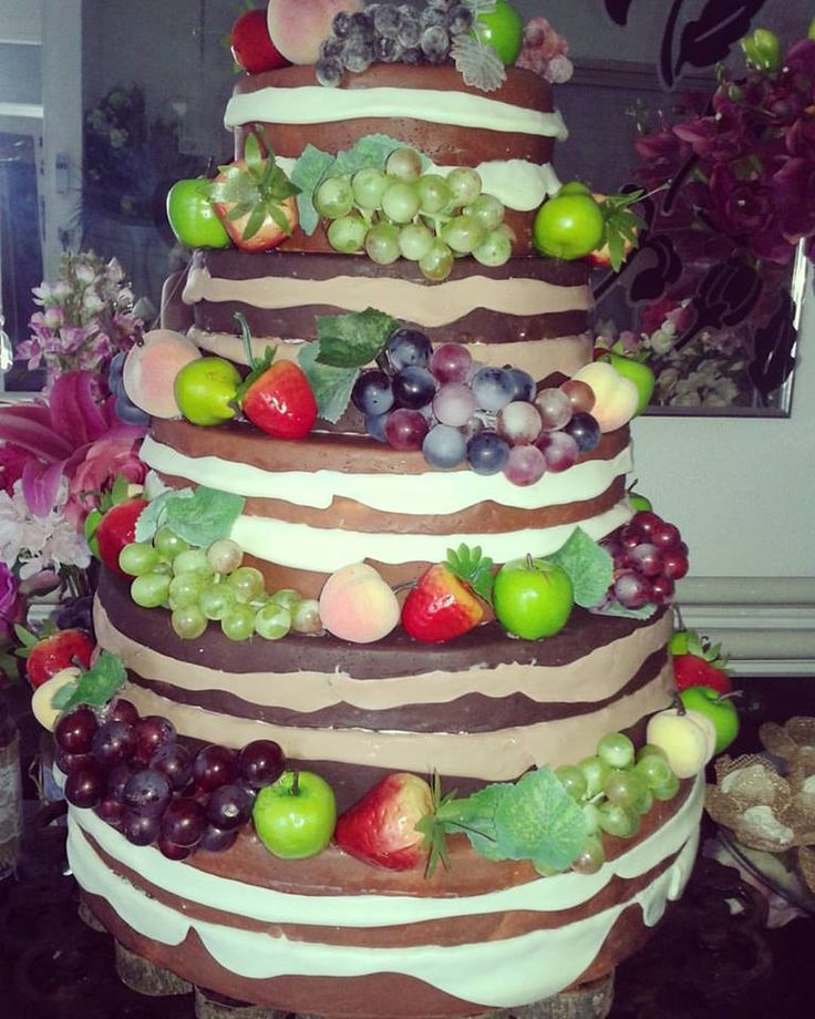 Bolo Naked Cake Frutas Mara Petty contato@marapetty.com