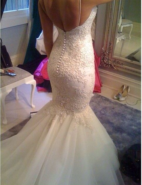 17 best ideas about tight wedding dresses on pinterest for Tight fitting wedding dresses