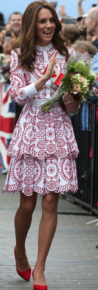 Who made  Kate Middleton's white eyelet dress, suede pumps, and red clutch handbag?