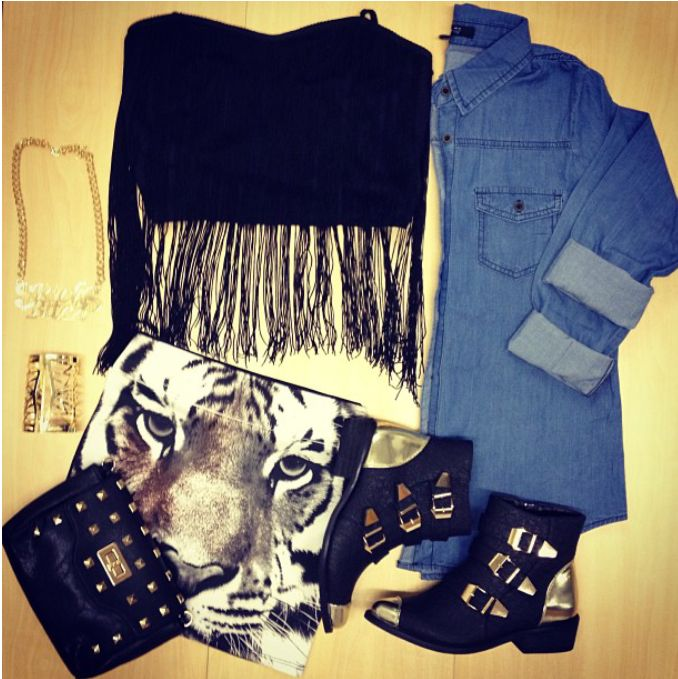 #outfitoftheday #outfit #ootd #fashion #style #boots #denim #tiger #bag #pretty #jewelry