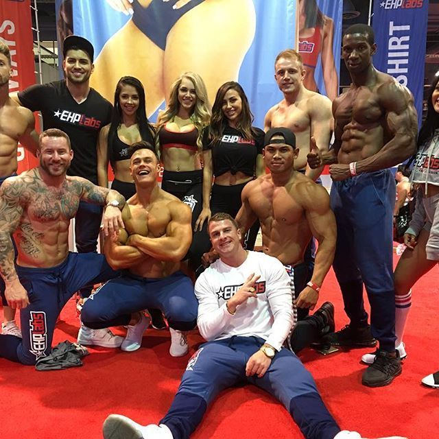 MY SQUAD! Big thanks to everyone who was at the #OlympiaExpo this weekend in Vegas and came down to the EHPLabs booth to meet us! I had wicked time meeting and talking to you all! It was great meeting so many of my clients in person and thank you for the gifts! Until next time! 😊✌🏼️