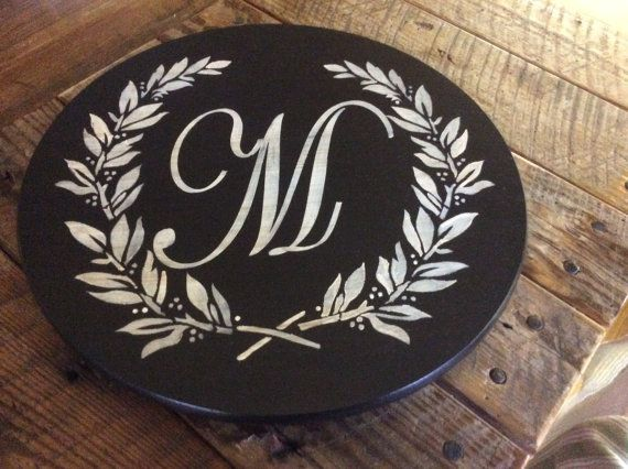Lazy Susan. Monogram. Personalized in your colors. Thejunqueroost.etsy.com