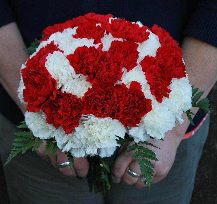 Blumen Zum Valentinstag   Der Valentinstag Sollte Nicht Der Einzige Tag Im  Jahr Sein, An Dem Sie Ihrer Freundin, Frau, Geliebten Blumen Schenken. Doch  Der