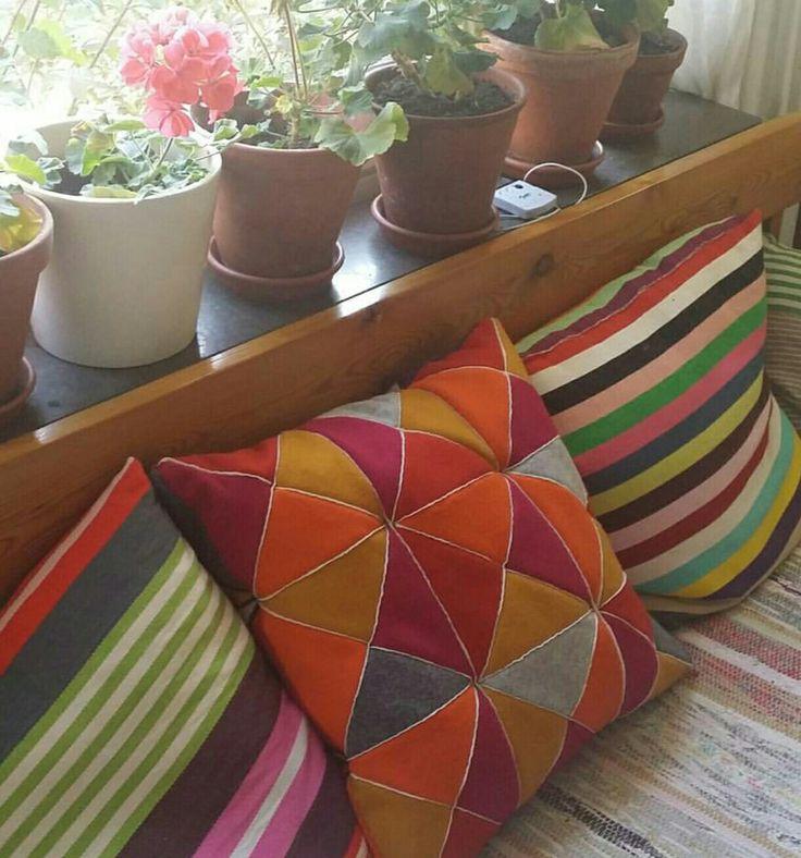 Skarvsöm pillow in the kitchen sofa