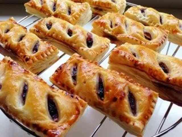 ブルーベリージャムとクリームチーズのパイの画像